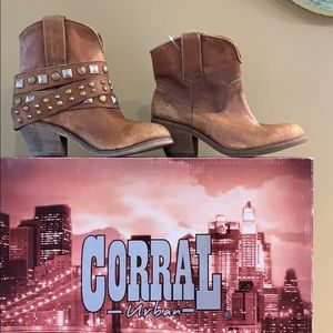 New In Box Corral Booties Sz 6.5